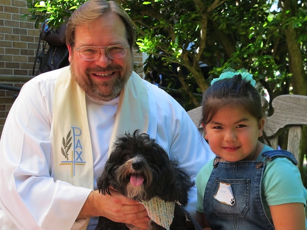 """6 Katie Oxford Blessing of the Animals at Bellaire United Methodist March 2015 Pastor Jim Flagg, """"Gumbo"""" and Sarah"""