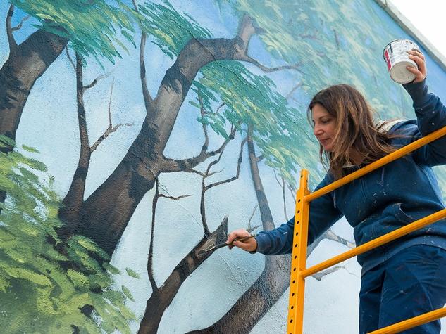 Houston Zoo gorilla mural February 2015 artist Anat Ronen at 3701 Main St. Richards Antitques