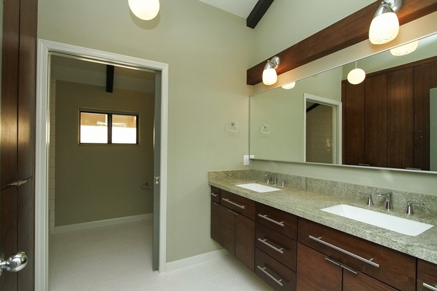 On the Market 9231 Fordshire after pics September 2014 guest bathroom