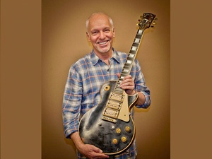 News_Peter Frampton_1954 Les Paul Custom guitar