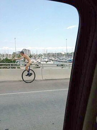 News_naked unicyclist_Kemah