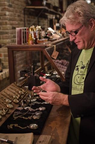 Dan Vogler Looks at vintage pocket watches