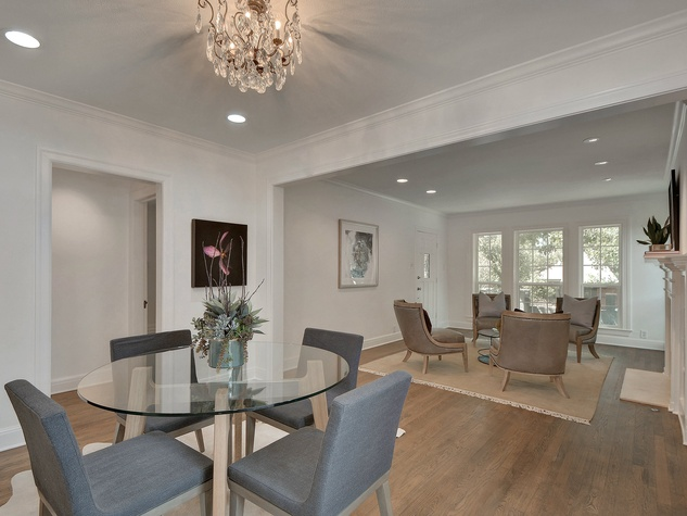 2200 Bowman Austin house for sale dining room