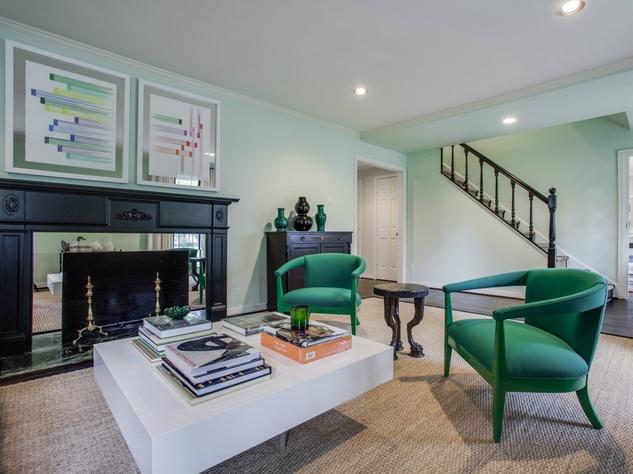 Living room at 5560 Waneta in Dallas