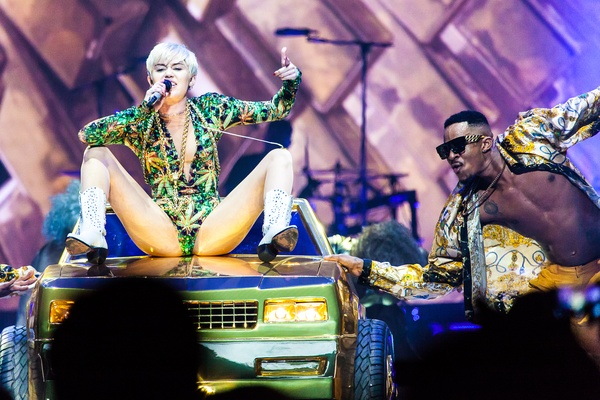 Miley Cyrus Lets It All Hang Out In Humpin Good Houston