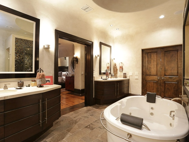 Shelby On the Market July 2013 3406 Greenbriar master bath