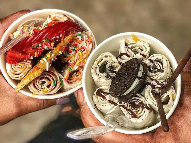 Chills 360 rolled ice cream