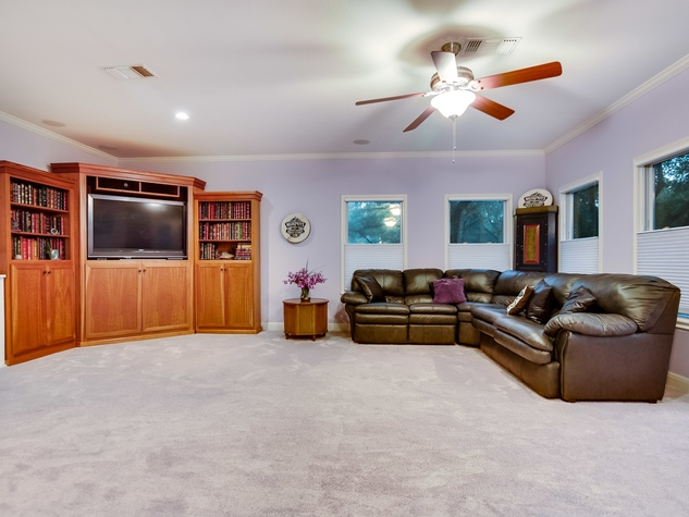 417 Ridgewood Rd West Lake Hills house for sale
