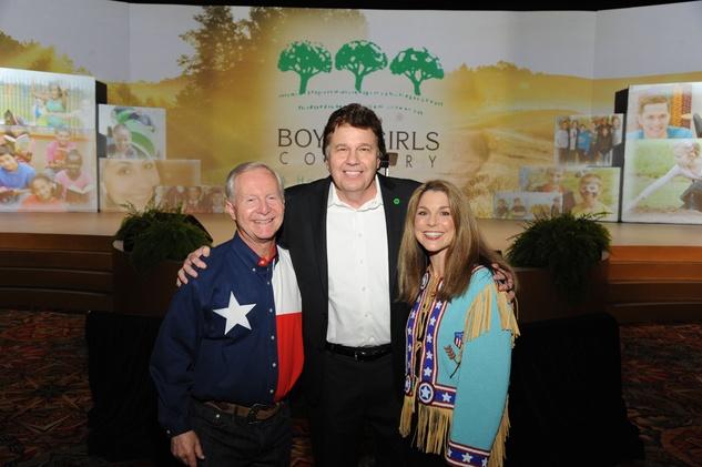 News, Shelby, Boy s and Girls Country, Oct. 2015, John Walker, Lou Palma, Lisa Walker