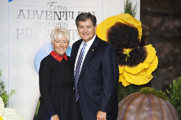 7478 Susan and Chip Carlisle at the Collaborative for Children dinner October 2014