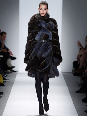 Fashion Week fall 2013, Dennis Basso, February 2013, fur wrap coat