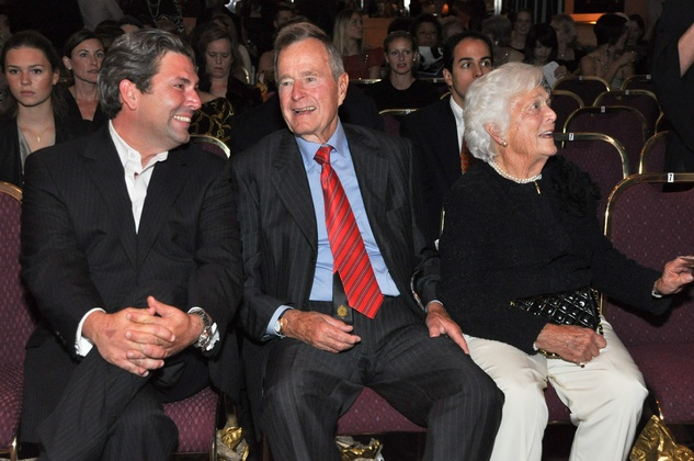 News_Houston Fashion Week_Jared Lang,_George HW Bush_Barbara Bush_Oct. 2010