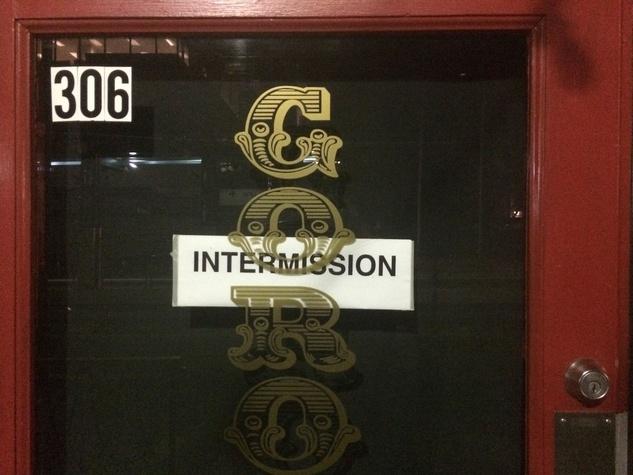 Goro & Gun intermission closed sign