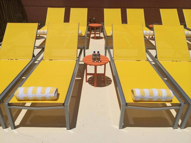 Longboard Pool Bar in Galveston