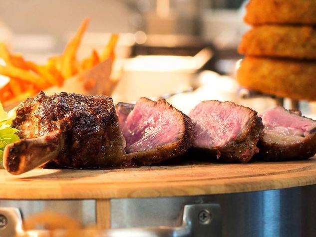 60 Degrees Mastercrafted Akaushi steak