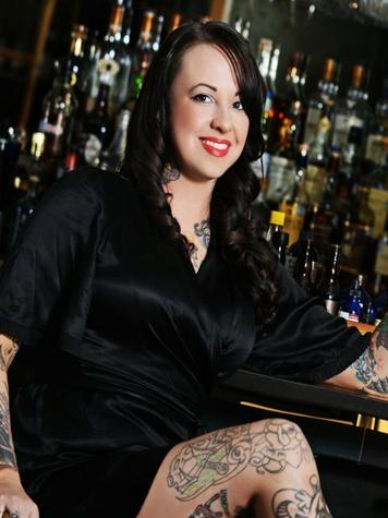 Leslie Ross, Triniti bartender