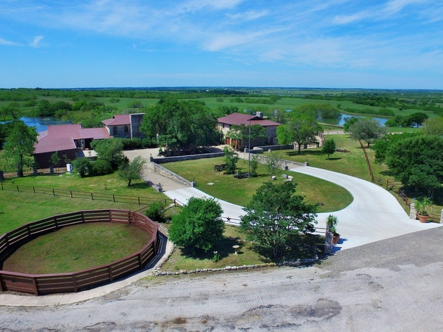Dollie Coles Central Texas ranch hits the market