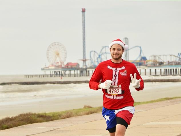 Santa Hustle run
