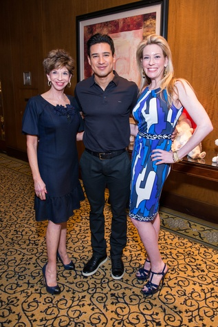 133 Vicki Rizzo, from left, Mario Lopez and Mauri Oliver at the Boys & Girls Harbor Fashion Show April 2015