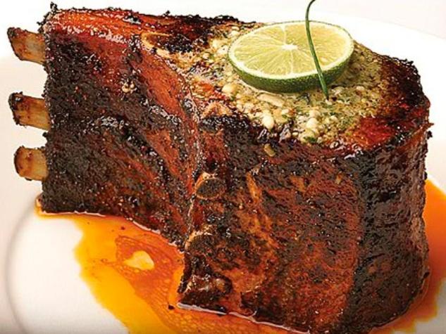 News_Perry's Steakhouse_pork chop