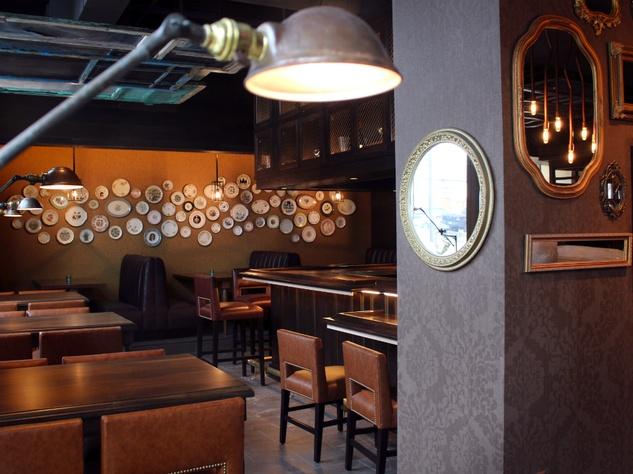 Fixe_Austin restaurant_interior 03_December 2014