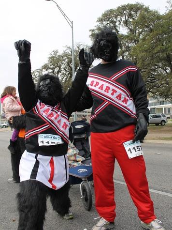 Austin Photo Set: News_Leslie Stephenson_gorilla run_jan 2012_11