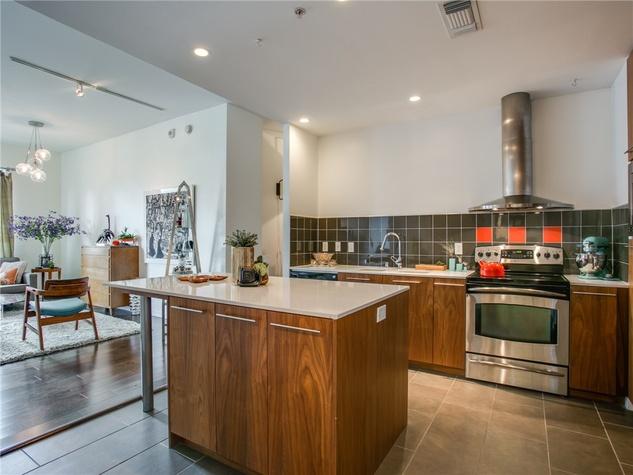 2323 N Houston St condo kitchen