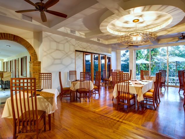 San Ignacio Resort Hotel, Belize, dining