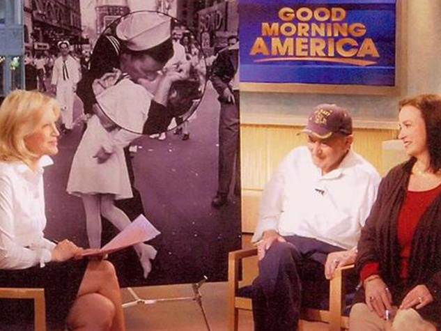 forensic artist, Lois Gibson, March 2013, Lois Gibson and Kissing Sailor on Good Morning America