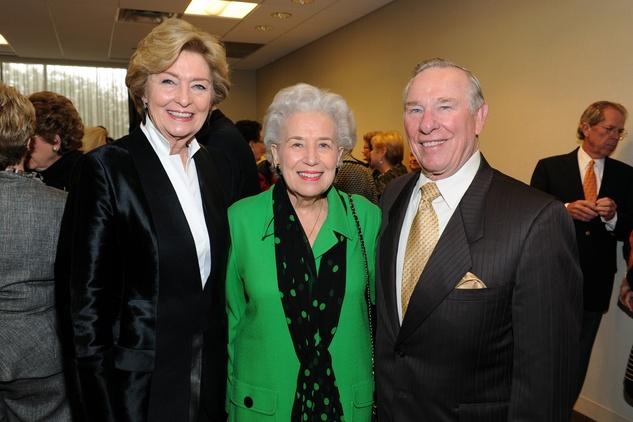 Nancy Carter, Joyce Wright, Linus Wright