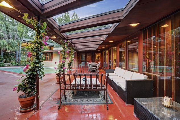 On the Market 12020 Tall Oaks St. Frank Lloyd Wright house July 2014 patio