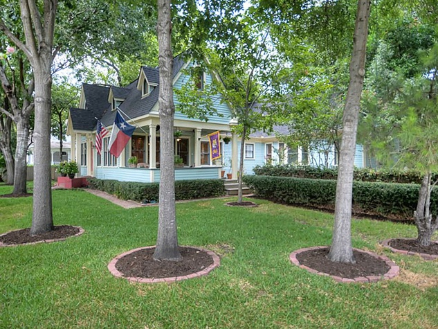 Heights house for sale September 2013 405 Woodland St. mature trees and landscaping