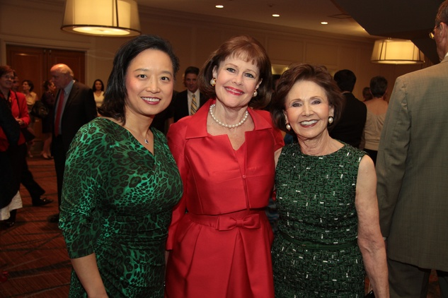 Dr. Lynda Chin, from left, Debbie Gibson and Cyvia Wolff at the Houston Living Legend fundraiser dinner May 2014