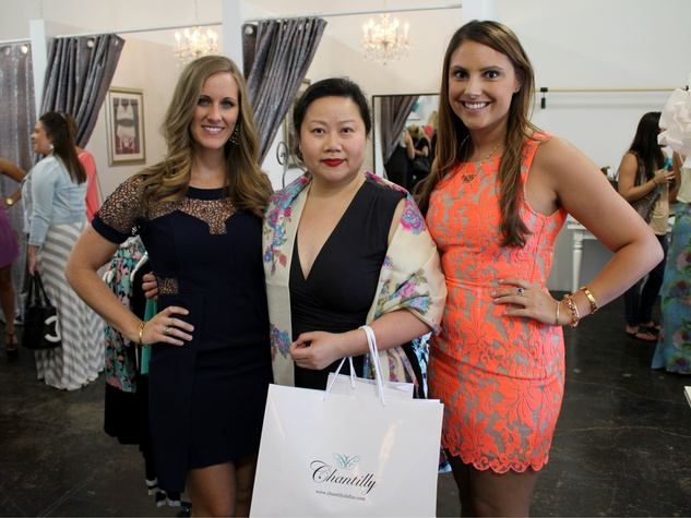 Caitlyn Mullanix, Jenny Siede and Chelsea Brogdon, chantilly shopping event