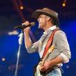 Tim McGraw mic