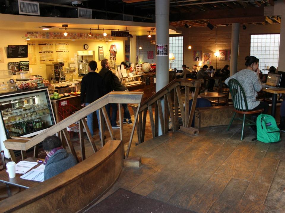 Dominican Joe Coffee Shop_Riverside_interior