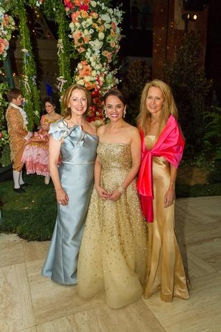 Linda Seacrest, Aileen Pratt, Lynn McBee