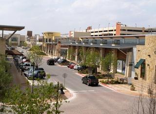 Austin_photo: places_shopping_hillcountrygalleria_interior