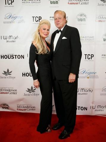 19 Theresa and Dr. Lamar Roemer at Hope Masquerade for a Cure Gala November 2013