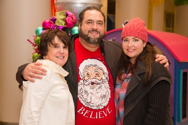 Mimi Sperber, Dimitri Fetokakis, Laura Fetokakis at Children's Museum Grinch party