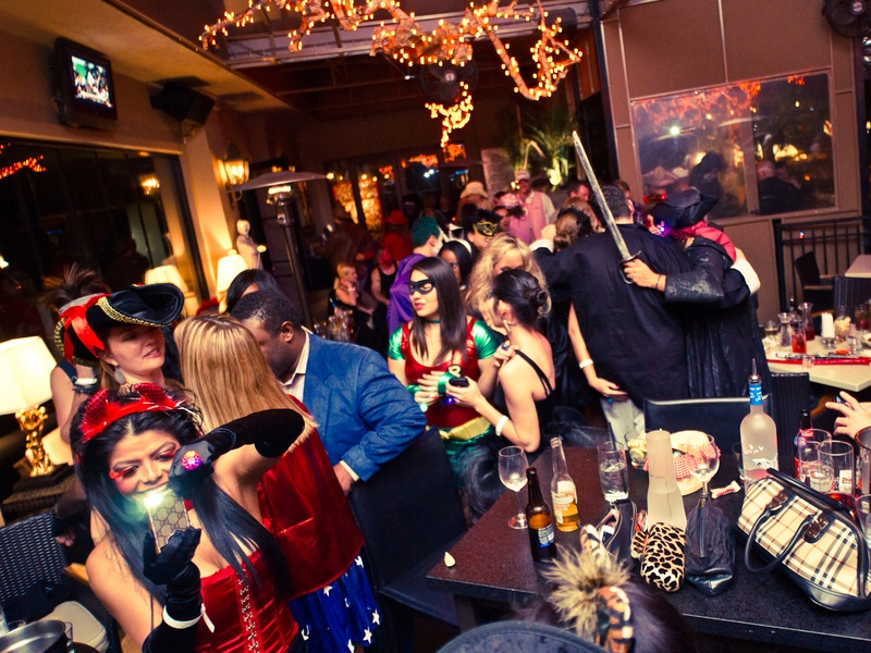 news_16_zaza_halloween party_october 2011_crowd_venue - Wild Halloween Party