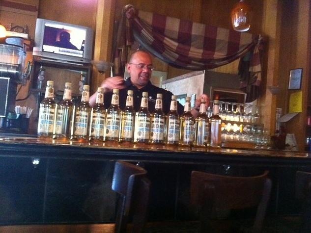 News_Marene_Phil & Derek's_bartender