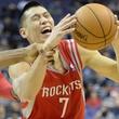Jeremy Lin foul