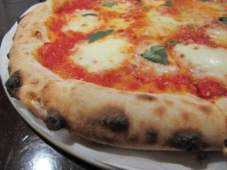 News_Ruthie_where to eat right now_Pizaros_Pizza Napoletana