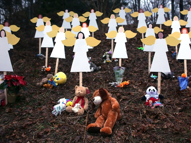 Sandy Hook, shooting, angels, December 2012