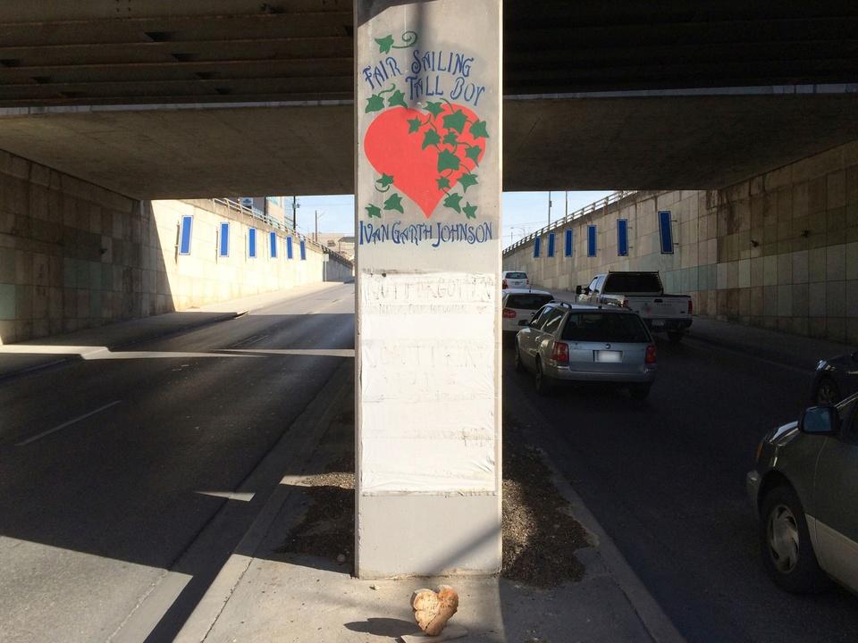 Street Art of Love and Heartbreak in Austin 12