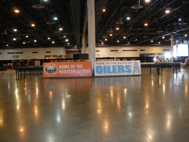 Alamodome auction and sale preview November 2013 signs