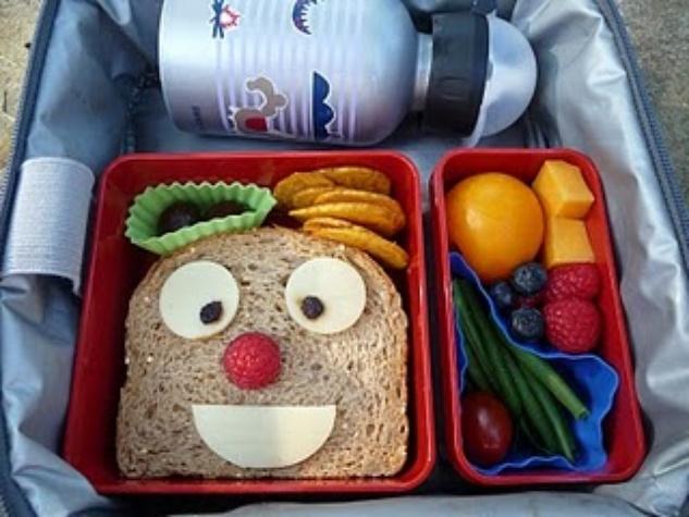Austin Photo Set: News_Leila Kalmbach_school lunch tempts_August 2011_1