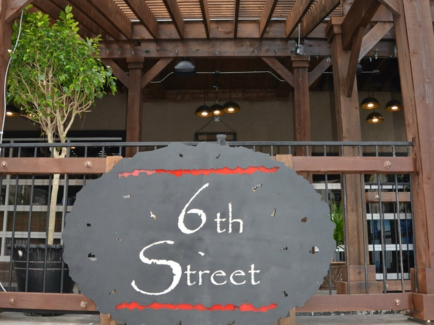 6th Street Uptown in Dallas
