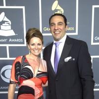 News_Grammys 2011_Lucinda Loya_Javier Loya